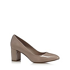 Clarks - Taupe 'Blissful Cloud' mid court shoes