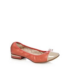 Clarks - Coral 'Ditsy Dress' leather pumps