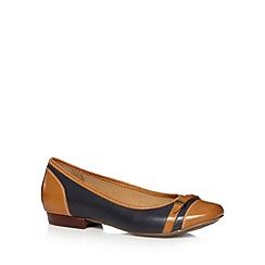 Clarks - Navy 'Henderson Bird' loafers