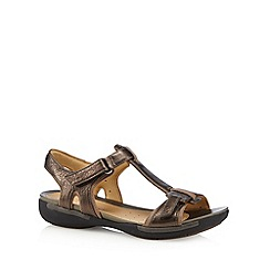 Clarks - Bronze 'Un Voshell' leather T-bar sandals