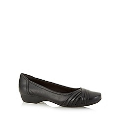 Clarks - Black 'Albury Pixie' leather pumps