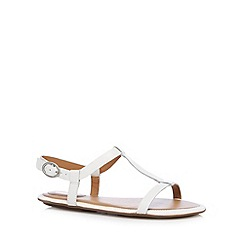 Clarks - White 'Risi Hop' leather sandals