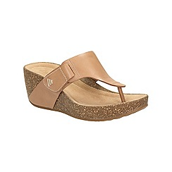 Clarks - Beige leather Temira West toe post Mid wedge sandal