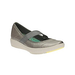 Clarks - Pewter leather Wave Gleam flat slip on sport shoe