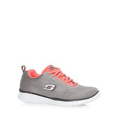 Skechers - Light grey 'Equaliser-True Form' memory foam trainers