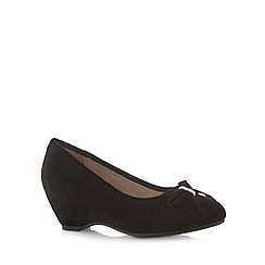 Natures Own - Black bow mid wedges