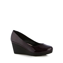 Natures Own - Dark purple patent mid wedge court shoes