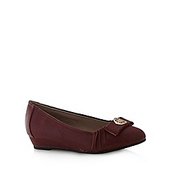Natures Own - Dark red disc bow pumps