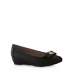Natures Own - Black disc bow pumps