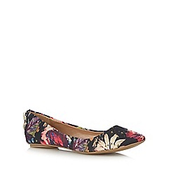 Call It Spring - Pink 'Chaella' floral slip on shoes
