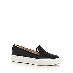 Clarks - Black matte 'Coll Island' leather slip on shoes