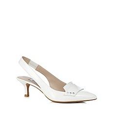 Clarks - White 'Aquifer Sorbet' suede mid sandals