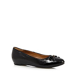Clarks - Black patent 'Alitay Giana' leather bow flat pumps