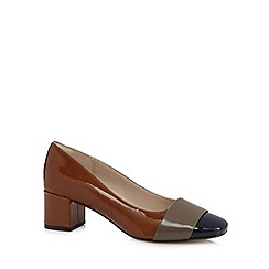 Clarks - Tan 'Chinaberry Sky' leather mid heeled shoes