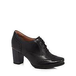 Clarks - Black 'Ciera Brine' brogue heels