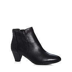 Clarks - Black chelsea mid heel boots