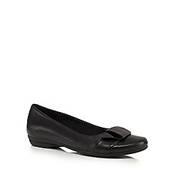 Clarks - Black 'Discovery Dime' slip-on shoes