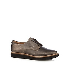 Clarks - Light gold 'Glick Darby' leather shoes