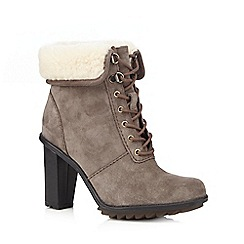 Clarks - Taupe Keswick Film ankle boots