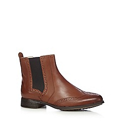 Clarks - Tan leather Chelsea boots