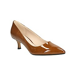 Clarks - Cognac aquifer soda kitten heeled court shoe