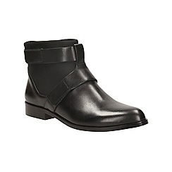 Clarks - Black leather 'bizzy show' ankle boot