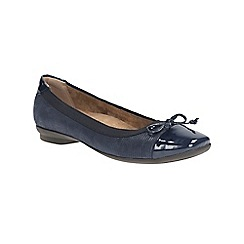 Clarks - Navy candra glow flat deatailed pump