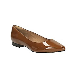 Clarks - Cognac corabeth abby pointed toe pump