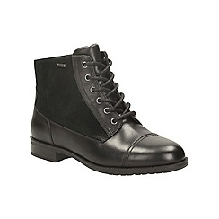 Clarks - Black leather 'mint chai gtx' lace up gortex ankle boot