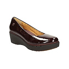 Clarks - Burgundy patent un estie plaform slip on shoe