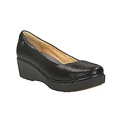 Clarks - Balck suede un estie plaform slip on shoe