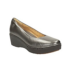 Clarks - Pewter metallic un estie plaform slip on shoe