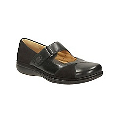 Clarks - Black leather un swan bar shoe