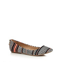 Call It Spring - Black 'Brevia' textured striped rear zip flat shoes
