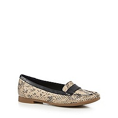 Clarks - Black and beige 'Atomic Lady' slip-on shoes