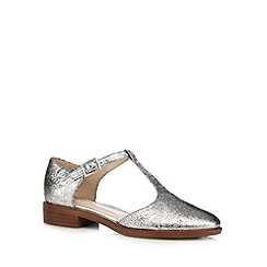 Clarks - Silver 'Taylor Palm' t-bar cut-out shoes
