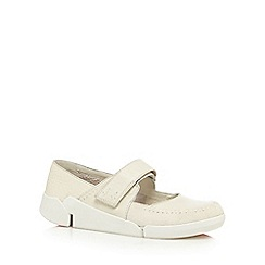 Clarks - Off white 'Tri Amanda' leather slip-on shoes