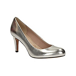 Clarks - Silver Carlita Cove slip on court shoe