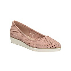 Clarks - Dusty pink Evie Buzz elevated ballerina pump