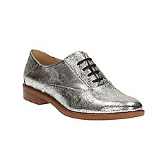 Clarks - Silver leather Taylor Beauty lace up shoe