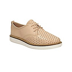 Clarks - Nude leather Glick Resseta lace up shoe