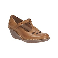 Clarks - Tan leather Harlan Dance cut out petal detail t-bar wedge