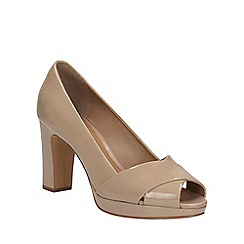 Clarks - Sand patent Jenness Cloud peep toe court shoe