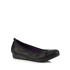 Skechers - Black leather 'Rome' pumps