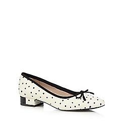 Clarks - White and black 'Elderberry Isla' low heel slip-on shoes