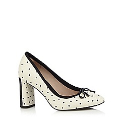 Clarks - White and black 'Idamarie Faye' high block heel court shoes