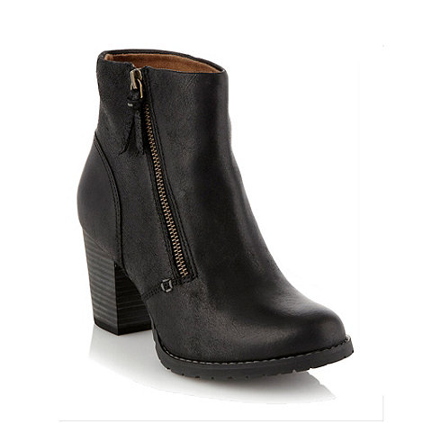 Clarks - Macay holly black leather mid ankle boots
