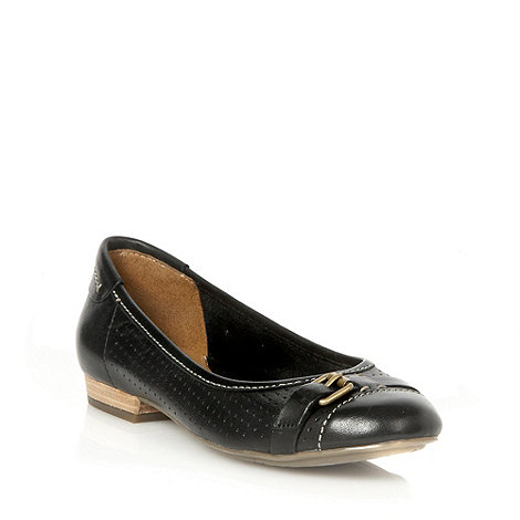 Clarks - Henderson fun black leather low heel pumps