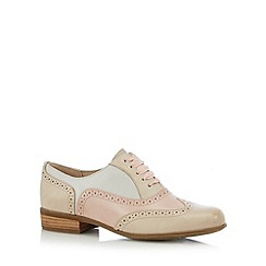Clarks - Pale pink 'Hamble Oak' leather patent brogues