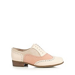 Clarks - Pale pink 'Hamble Oak' leather brogues